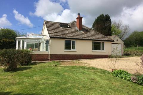 5 bedroom detached bungalow to rent - Brayford, Barnstaple, Devon, EX32 7QN