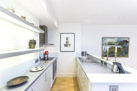 1 bedroom flat to rent - Old Compton Street, London, W1D