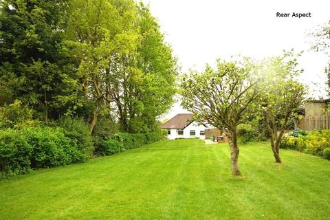 3 bedroom detached bungalow for sale - Blackwood Rise, Cookridge, Leeds
