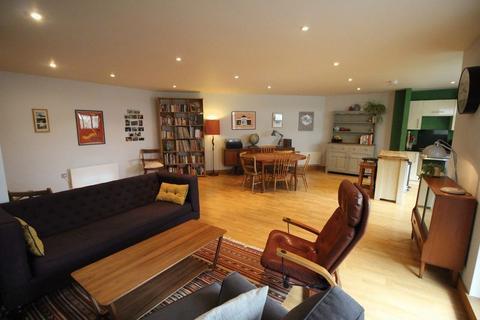 2 bedroom apartment to rent - Wick Lane, London E3