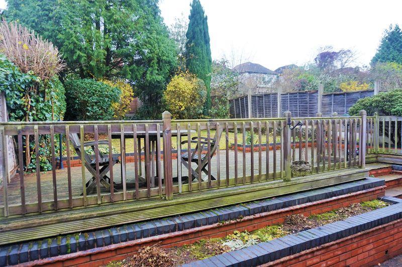 Decking / Garden