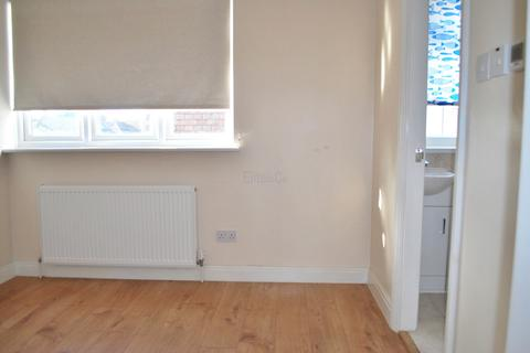 1 bedroom flat share to rent - Shirley, CR0