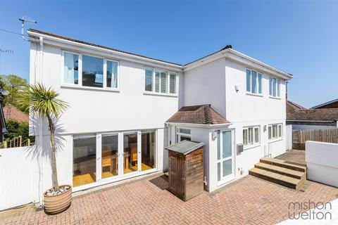 5 bedroom detached house for sale - Hillside Way, Withdean, Brighton