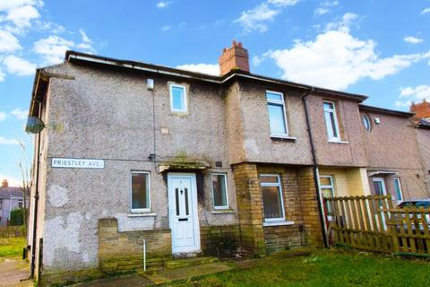 3 bedroom semi-detached house to rent - Priestley Avenue, Bradford, BD6