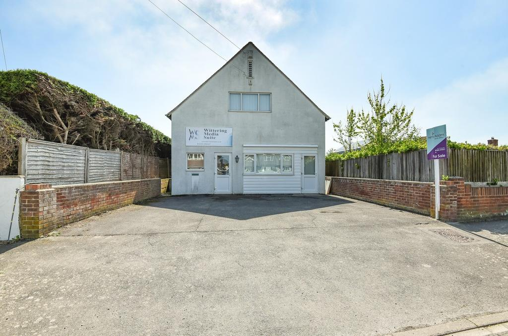 bf9a529d5 Longlands Road, East Wittering, PO20 2 bed property with land ...