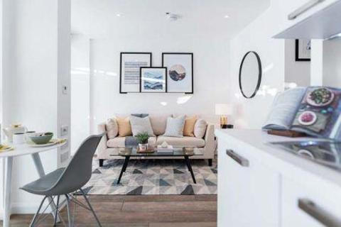 Studio to rent - Queen Street, Maidenhead, SL6
