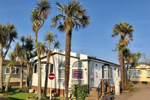 2 bedroom detached bungalow for sale - Monkton Street, Monkton, Ramsgate