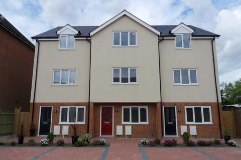 3 bedroom townhouse for sale - Haine Road, Ramsgate