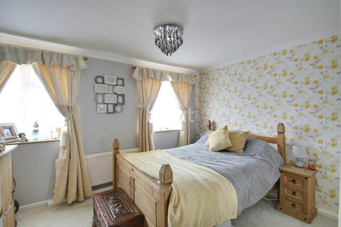 2 bedroom semi-detached house for sale - Wilford Avenue, Northampton