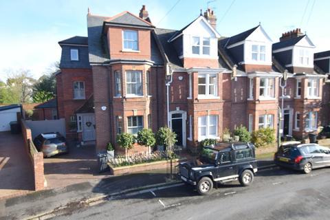 5 bedroom semi-detached house to rent - St Leonards, Exeter