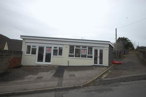 Property to rent - 2a Brynhyfryd Road, Neath