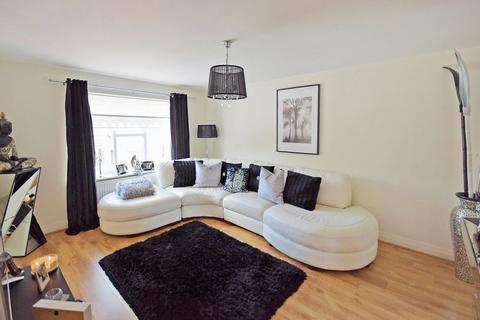 2 bedroom apartment for sale - Iona Crescent, Widnes