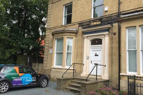 3 bedroom flat to rent - Claremont, Bradford,