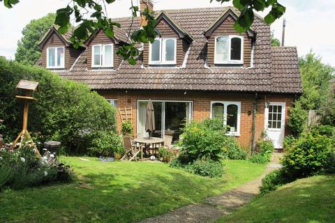 3 bedroom semi-detached house to rent - Park Drive, Bramley