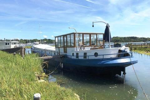 3 bedroom houseboat for sale - Salterns Boatyard, Salterns Lane, Bursledon