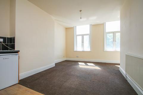 1 bedroom apartment to rent - Edge Lane, Stretford, Manchester, M32