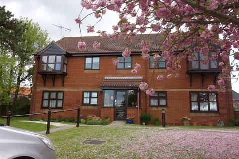 2 bedroom apartment for sale - Marlborough Court, Oulton Broad