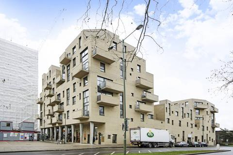 3 bedroom flat to rent - Heath Parade, Colindale