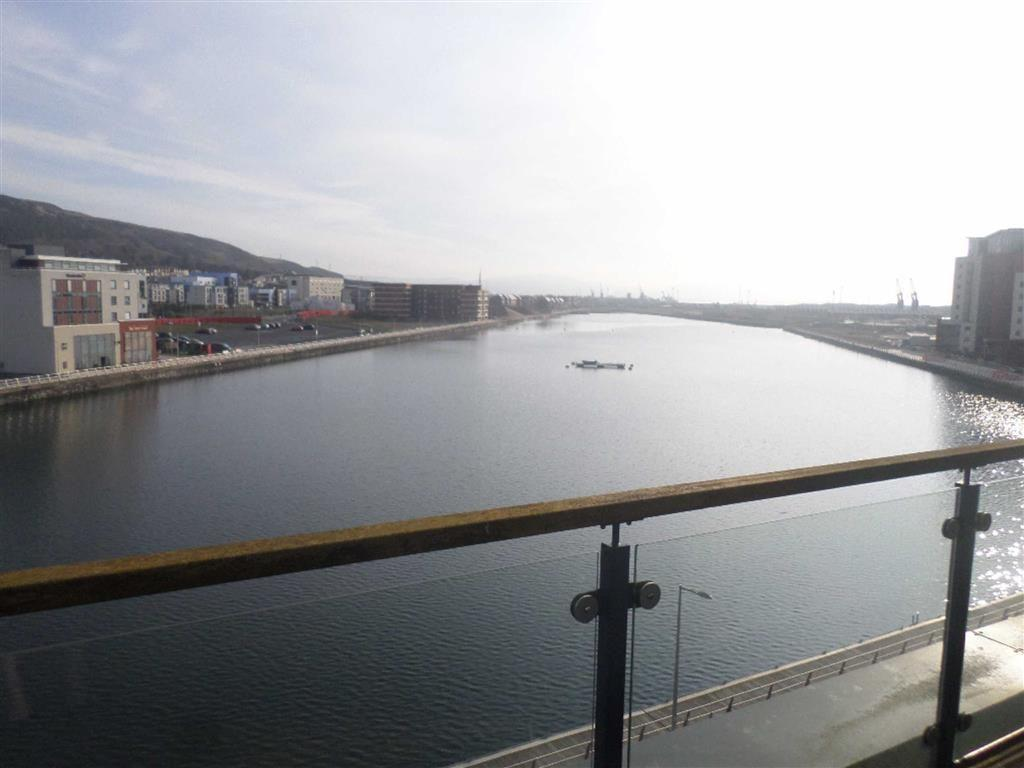 2 Bedrooms Penthouse Flat for sale in Altamar, Kings Road, Swansea