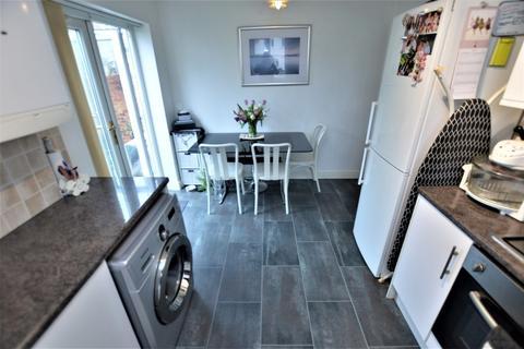 1 bedroom house share - Longhurst Road, Croydon