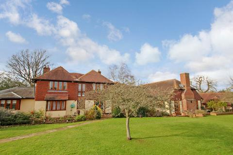 6 bedroom detached house for sale - Snag Lane, Cudham, Sevenoaks, Kent, TN14 7RG