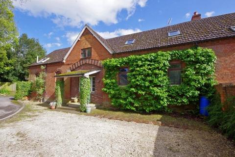 4 bedroom country house for sale - Tewkesbury Road, Newent