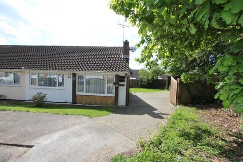 2 bedroom semi-detached bungalow for sale - Ascot Close, Thundersley