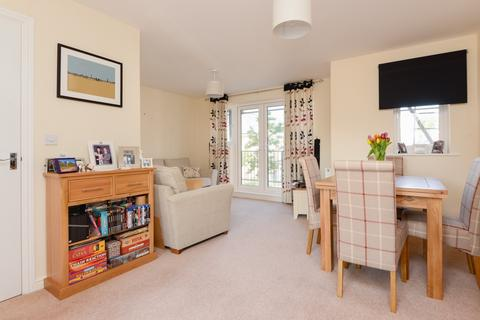 2 bedroom apartment for sale - Laurens Van Der Post Way, Repton Park, Repton Park, TN23