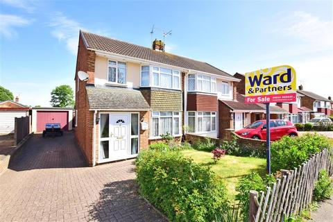 3 bedroom semi-detached house for sale - Lynton Drive, Lords Wood, Chatham, Kent