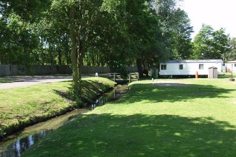 Park home for sale - Weeley Bridge Holiday Park, WEELEY