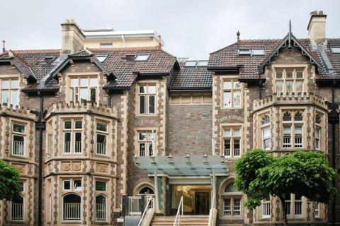 2 bedroom apartment for sale - Elmdale Road, Clifton