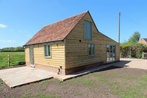2 bedroom detached house for sale - Mile Bush Lane, Marden
