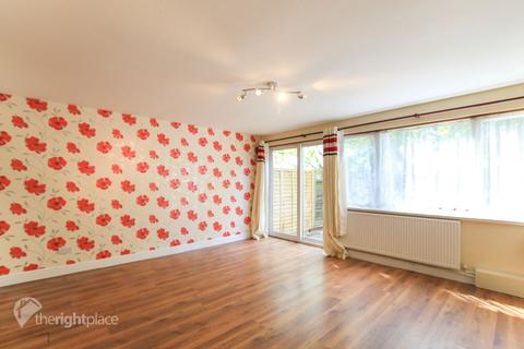 3 bedroom terraced house to rent - Dunvegan Close, Bletchley