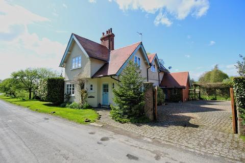 4 bedroom lodge for sale - Rowley Road, Little Weighton, HU20