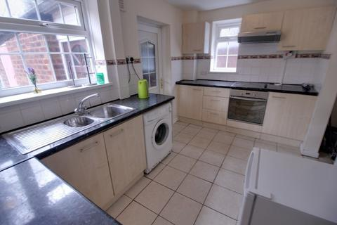 3 bedroom semi-detached house to rent - Ferncliffe Road, Harborne