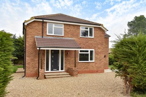 4 bedroom detached house to rent - King Edwards Road, Ascot, SL5