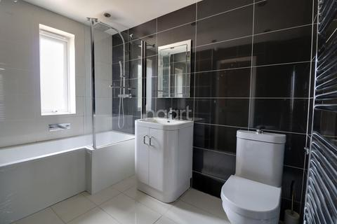 3 bedroom semi-detached house for sale - Hawthorn Road, Strood
