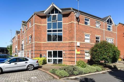 2 bedroom apartment to rent - Alma Road,  Banbury,  OX16