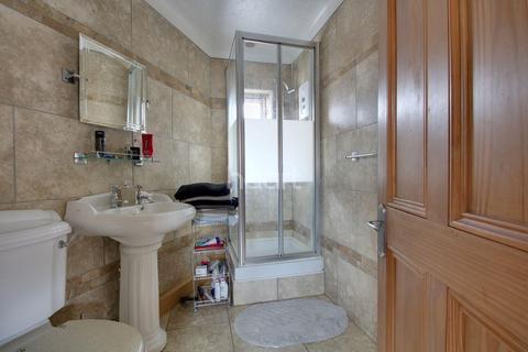 4 bedroom semi-detached house for sale - Harps avenue, Minster