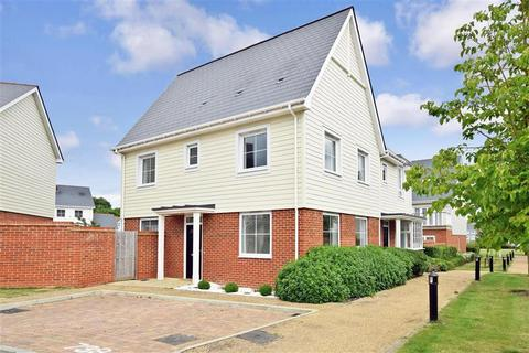 3 bedroom semi-detached house for sale - Berry Drive, Holborough Lakes, Kent