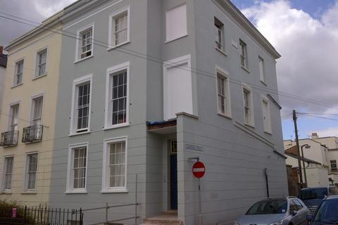 4 bedroom flat share to rent - Montpellier Villas, Cheltenham, GL50