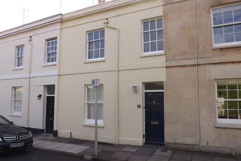 3 bedroom townhouse to rent - Keynsham Road, Cheltenham, GL53