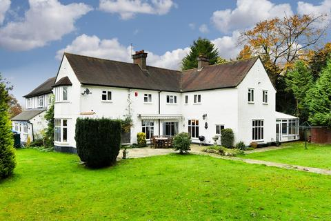 6 bedroom detached house for sale - The Avenue, Tadworth, KT20