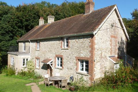 5 bedroom detached house to rent - Membury, Axminster, Devon, EX13