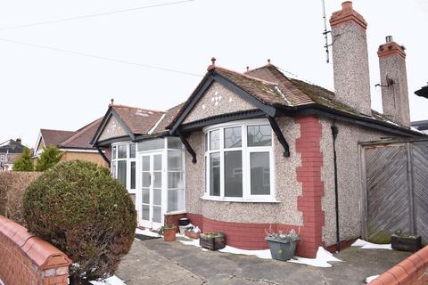 3 bedroom detached bungalow to rent - Bryn Avenue, Rhyl