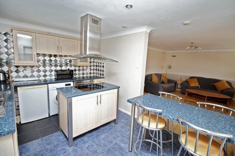 2 bedroom apartment to rent - Plimsoll Way, Victoria Dock, HU9