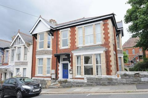 1 bedroom apartment for sale - Maple Grove, Mutley,  Plymouth - Spacious 1 double bedroom flat in character prominent building.