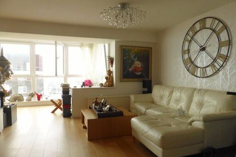 2 bedroom house to rent - ROOM in Bedford Tower flat  - P1508