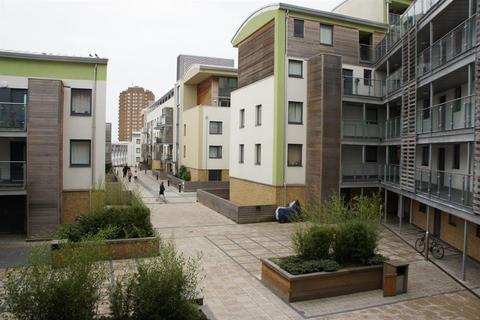 2 bedroom flat to rent - Stepney Court - P1277