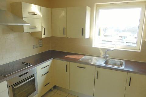 3 bedroom flat to rent - Sharpthorne Court - P1377